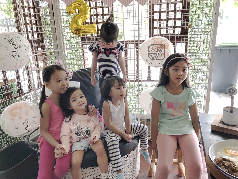 KW 2nd Birthday - friends 2