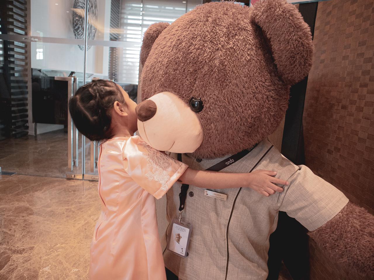 hug-for-seda-hotel-bear